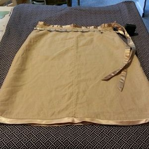 "Linen skirt Natural Knee Length size 4 (14""across)"